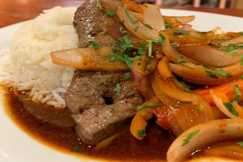 hígado encebollado imagen del plato