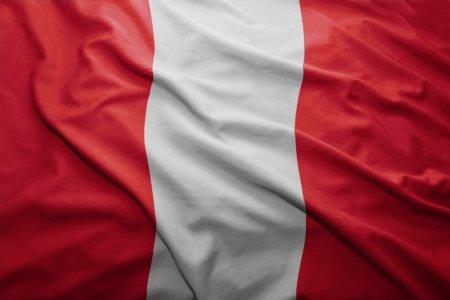 bandera nacional del peru