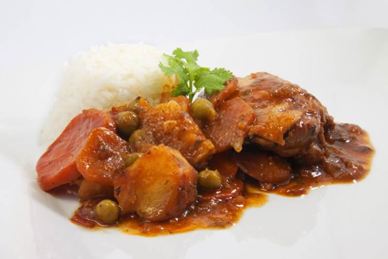 estofado de pollo peruano imagen