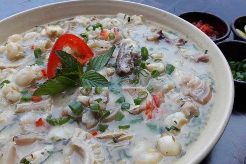imagen plato de sopa patasca