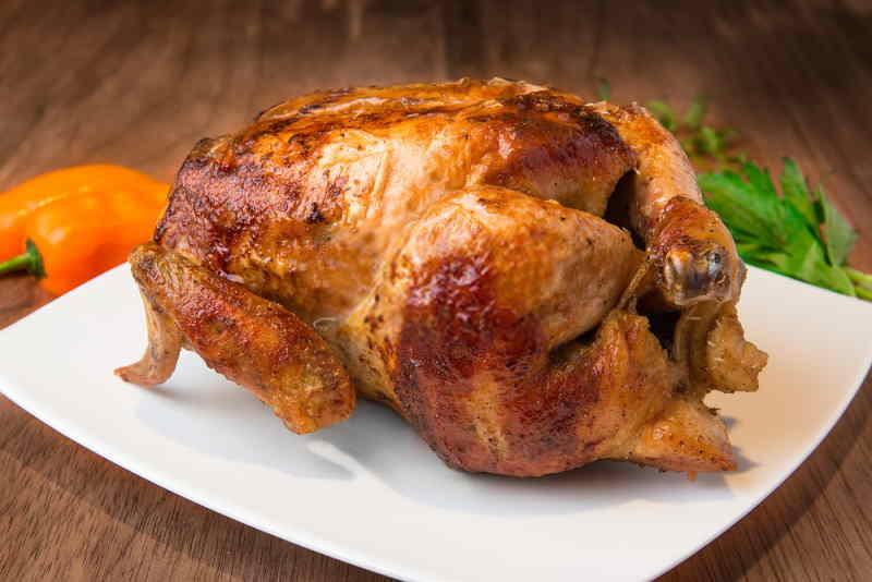 imagen de un plato con pollo a la brasa peruano