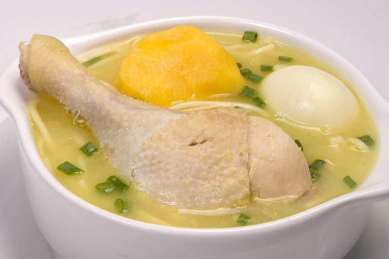 imagen plato de caldo de gallina peruano