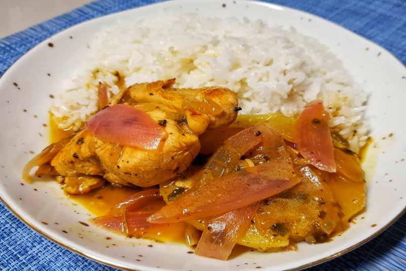 imagen de plato de ceviche de pollo peruano