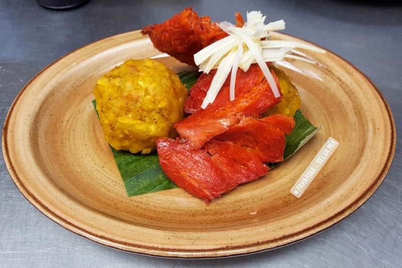 imagen plato de tacacho con cecina y palmito